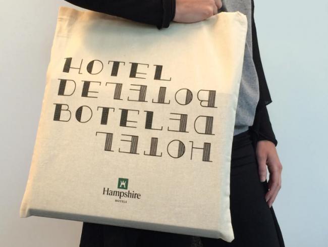 Hoteldebotel-canvas-tas-typography